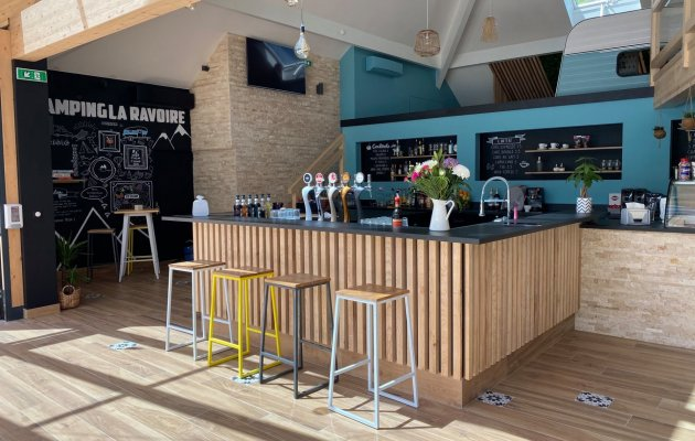New Bar & Restaurant
