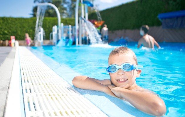 activité piscine les fontaines